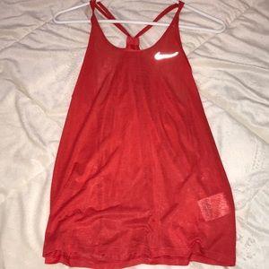 Nike tank SIZE: M